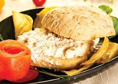 Sandes patê de frango com pão de soja