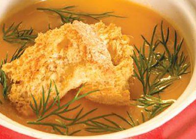 Sopa de tomate com croutons